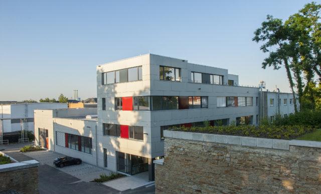 Plasticard-ZFT Gebäude Außenansicht Neubau