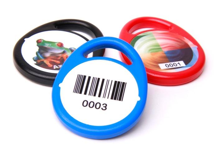 Schlüsselanhänger Rund in blau, rot, schwarz