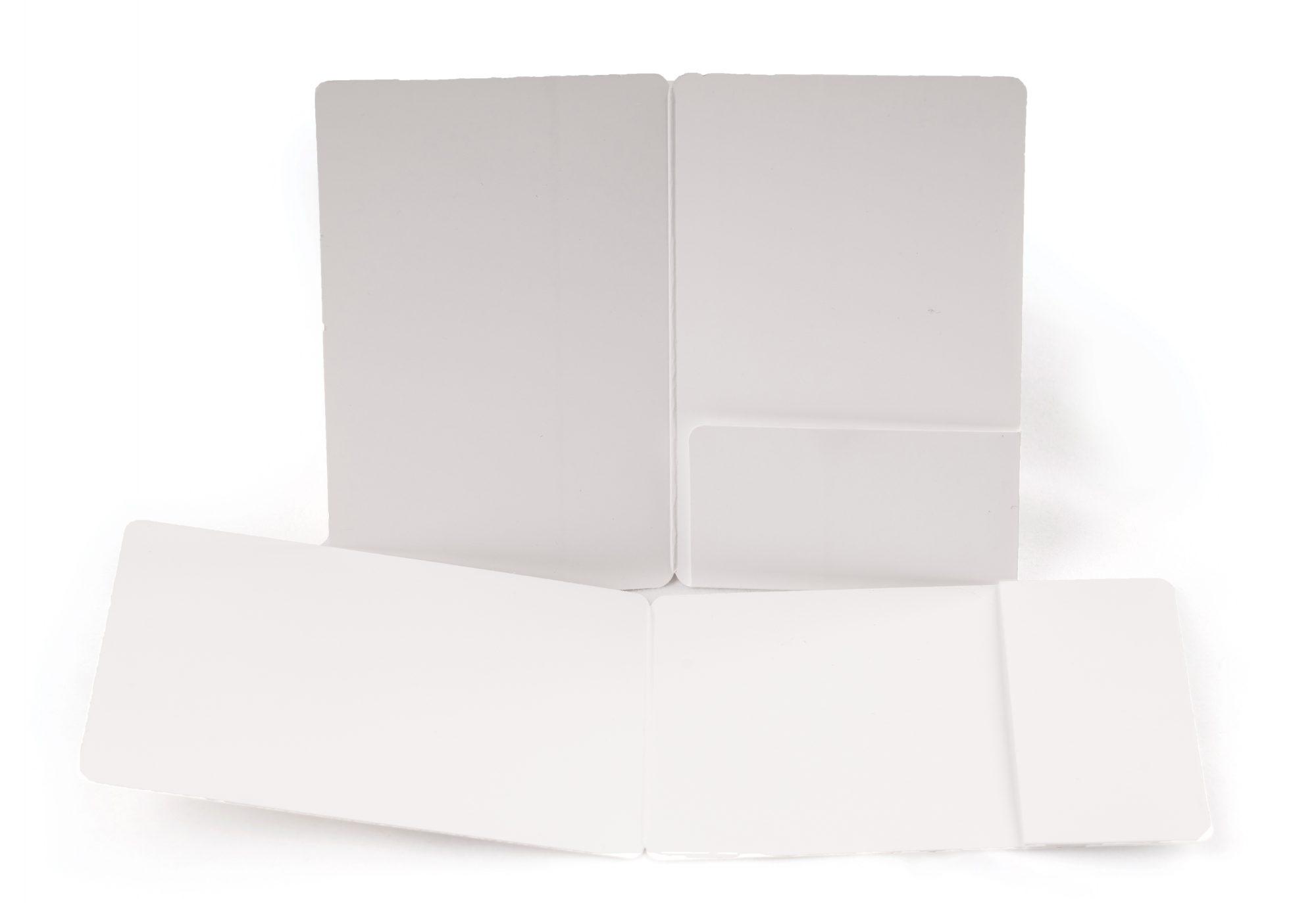 Karton-Kartenhüllen hoch und quer mit einer Einschublasche rechts