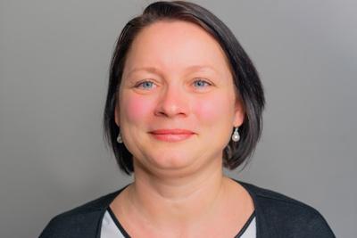 Portrait Dana Schmieder Plasticard-ZFT